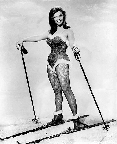 Bobbie Douglas - Bobbie Douglas Swings Deep In Dixieland